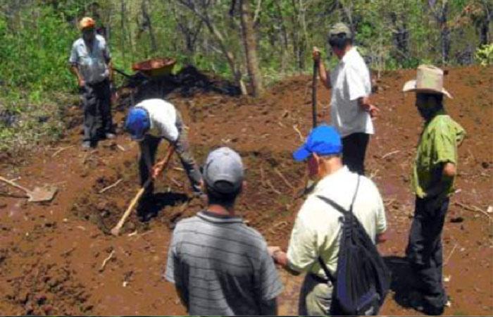Sistemes sostenibles de captació d'aigua de pluja per a petits productors Agrícoles (El Salvador)